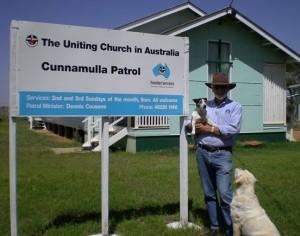 Patrol Minister Dennis Cousens farewells Cunnamulla