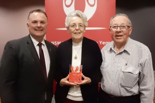 Volunteer couple receive award